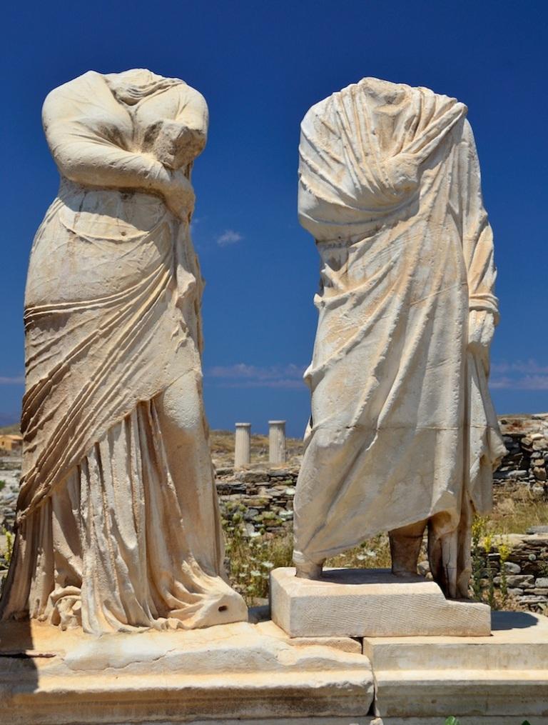 sculptures-delos-myths