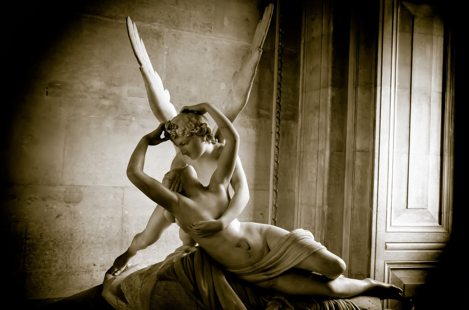 Who was god Eros? The myth and his love for Psyche